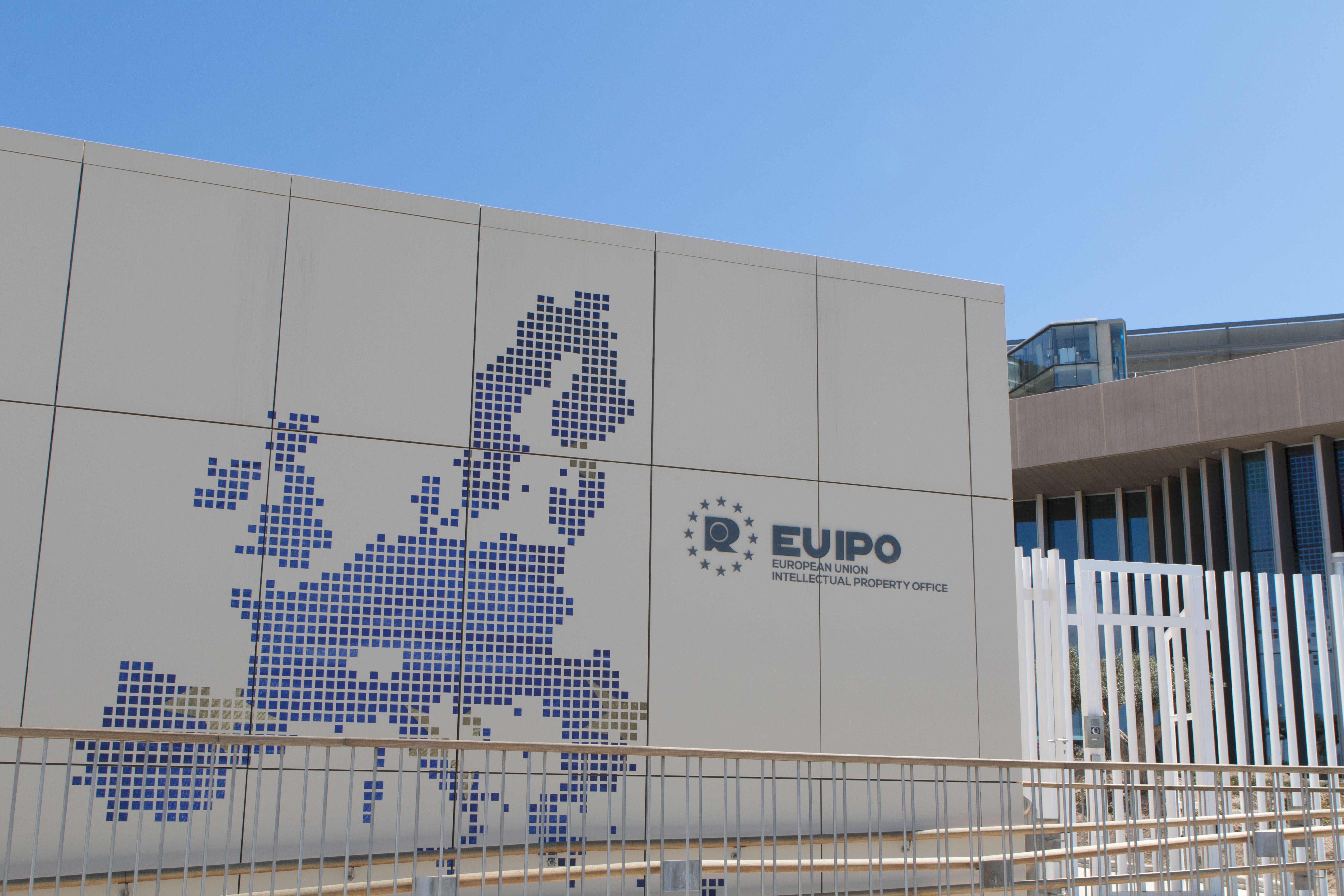 Premios designeuropa sala de prensa dcr for Oficina western union alicante